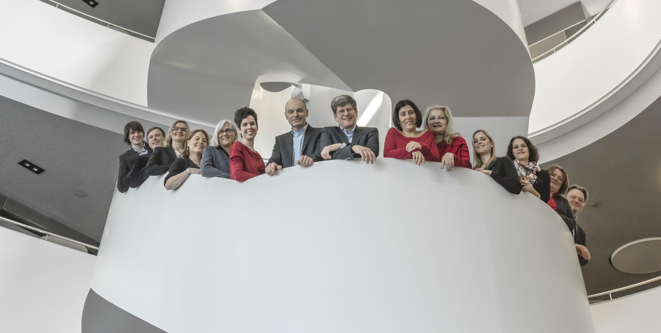 Gruppenbild MOLIT Institut gGmbH mit den Kooperationspartnern Tumorzentrum-Heilbronn-Franken der SLK-Kliniken und GECKO Institut für Medizin, Informatik und Ökonomie der Hochschule Heilbronn